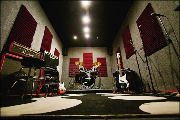 1298410863_112454_5--MDM-Rehearsal-Studios-Los-Angeles