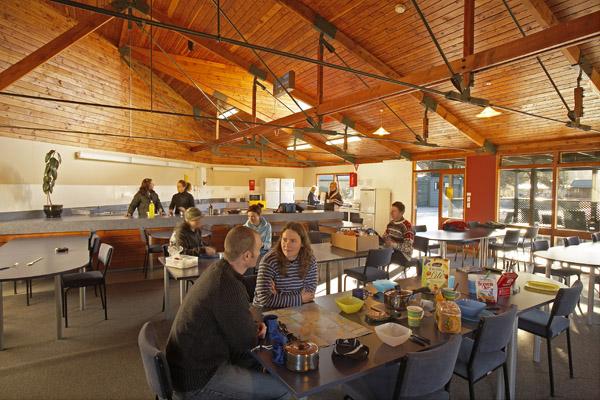 Communal-Kitchen-interior-photo-2-036