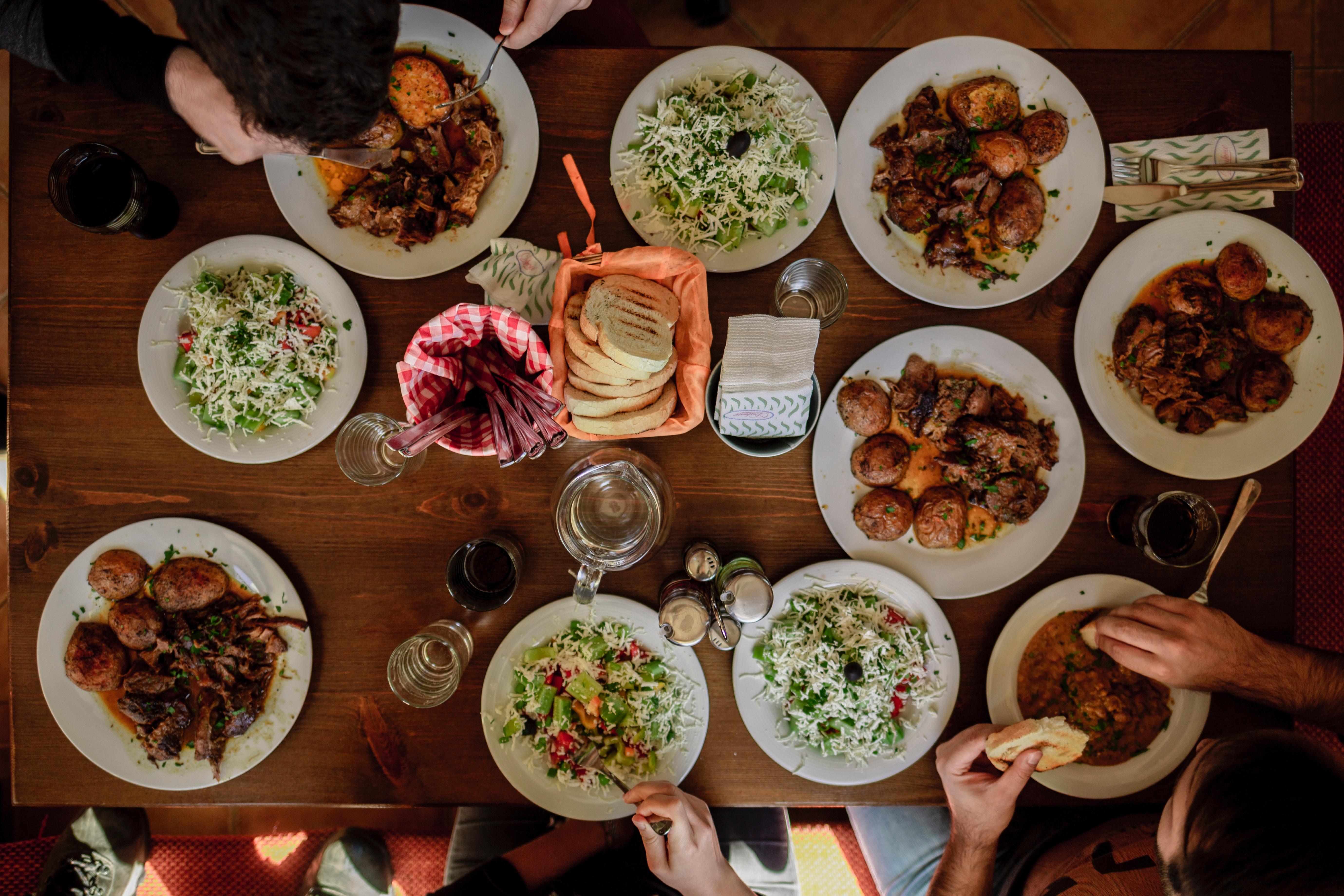 Modern Table Etiquette stefan-vladimirov-Q_Moi2xjieU-unsplash